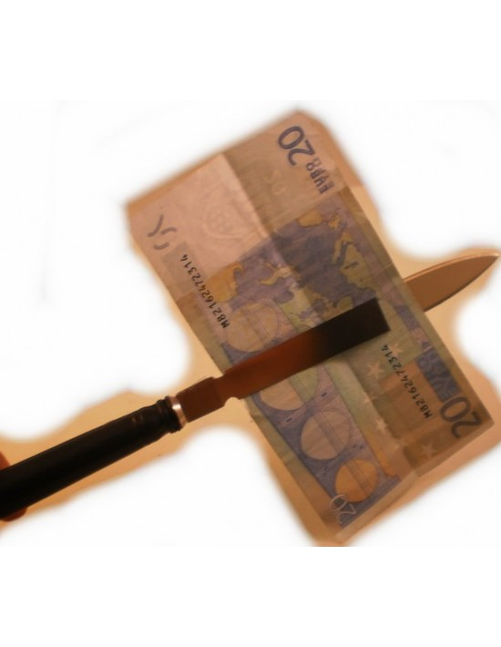 Cuchillo a través de billete MCA Juegos Varios
